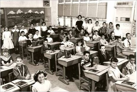 Mrs. Montague's Hibiscus Elementary School's 1960 5th Grade Class